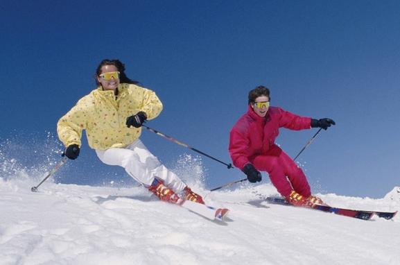 天龙池滑雪、玉京温泉两日游