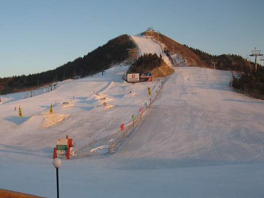 尧山滑雪乐园一日游