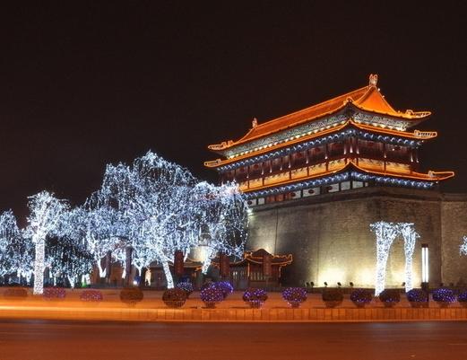 明城墙、兵马俑、华清池、华山、延安壶口双卧七日游