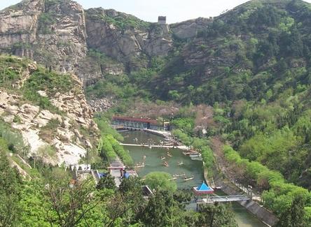 青龙峡风景名胜区:是云台山风景名胜区主要游览区之一,有中原第一大