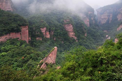 龙潭大峡谷、荆紫仙山两日游