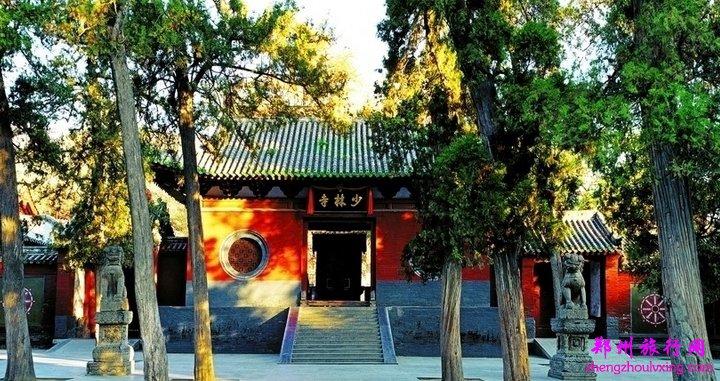 嵩山少林风景区位于河南省登封县境内.