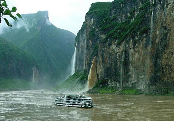 三峡大瀑布、巴东神农溪、宜昌三峡人家纯玩双卧5日