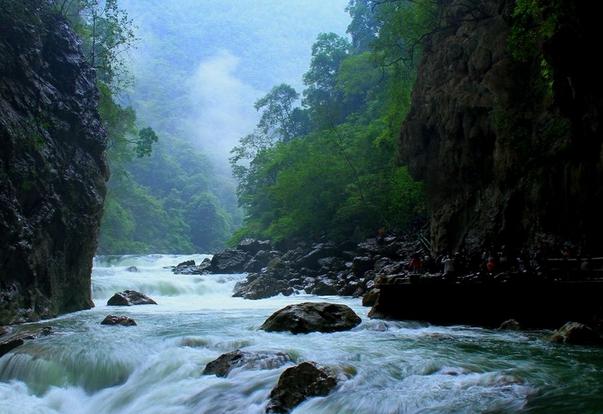 黄果树、天星桥、陡坡塘、西江千户苗寨、荔波双卧8