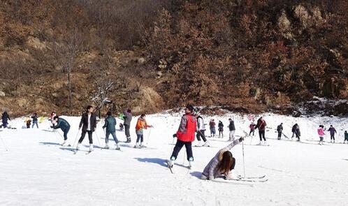 急速飞雪尧山滑雪一日游