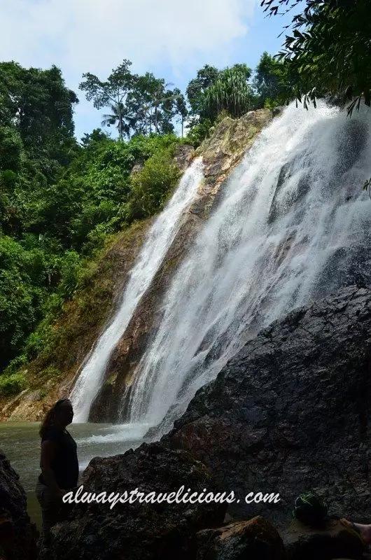 苏梅岛那蒙瀑布